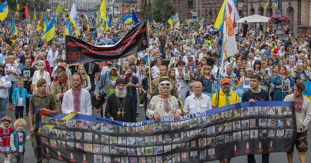 Что украинцы думают о независимости, евроатлантической интеграции, украинизации и про советское прошлое